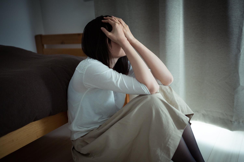アマレコTVの録画エラーで絶望している女性
